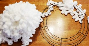 loop yarn wreath supplies