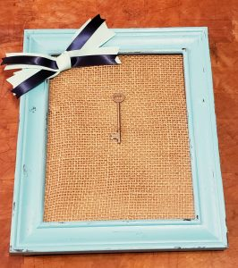 key frame with burlap