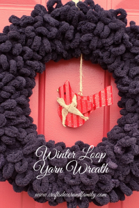 loop yarn wreath image